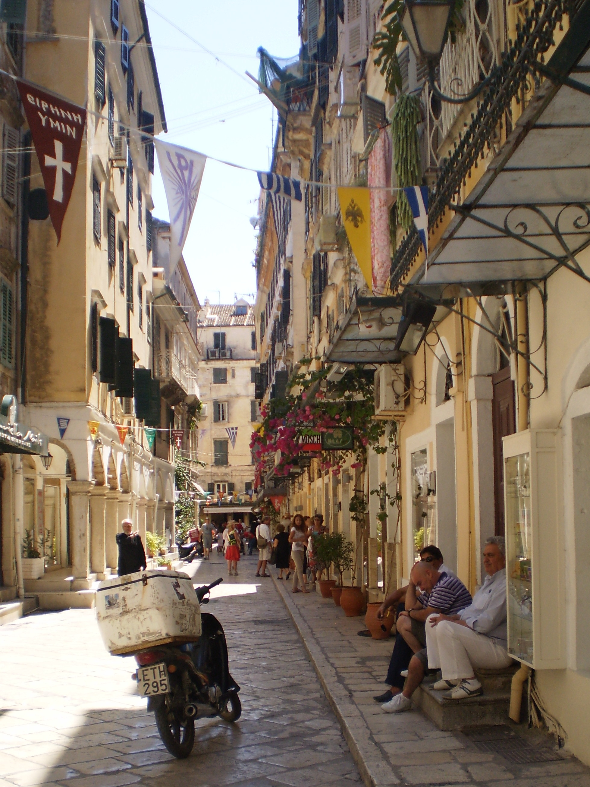 Corfu old town | Let the great wheel spin